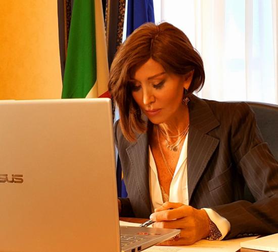 Bernini: Il governo non sprechi le risorse Ue e dia parte del Mes ai comuni