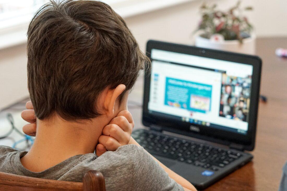 Un anno in Dad: la povertà digitale rischia di creare nuove disuguaglianze