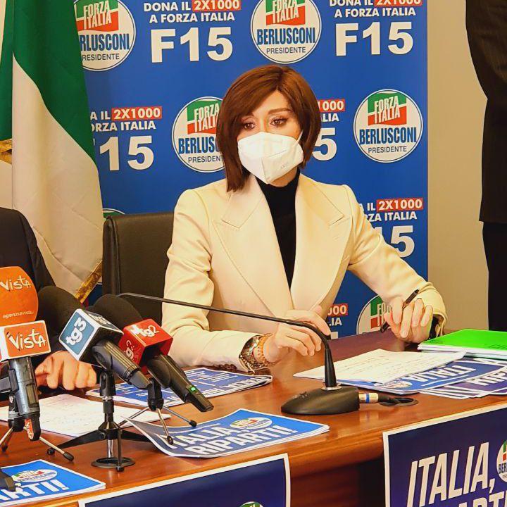Bernini: l'Ue teme l'effetto-calamita sui migranti? In Italia c'è già